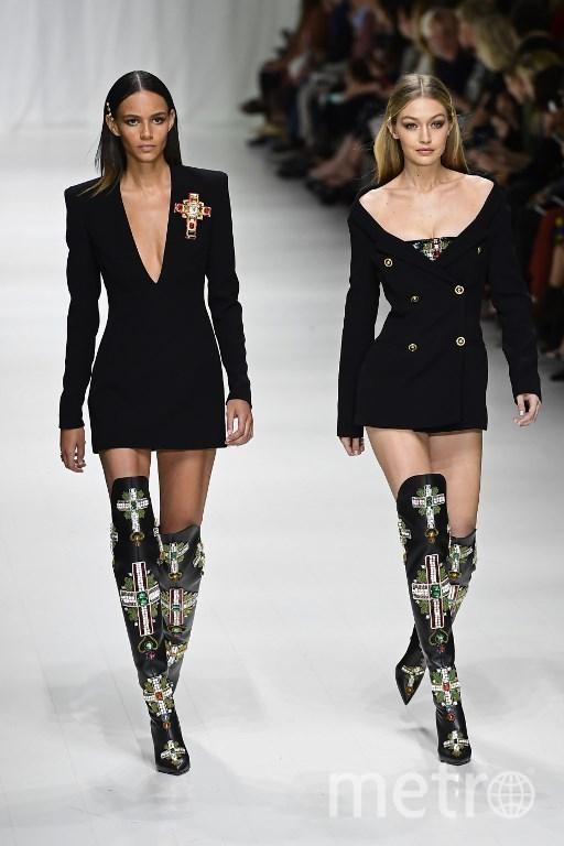 Показ Versace. Фото AFP