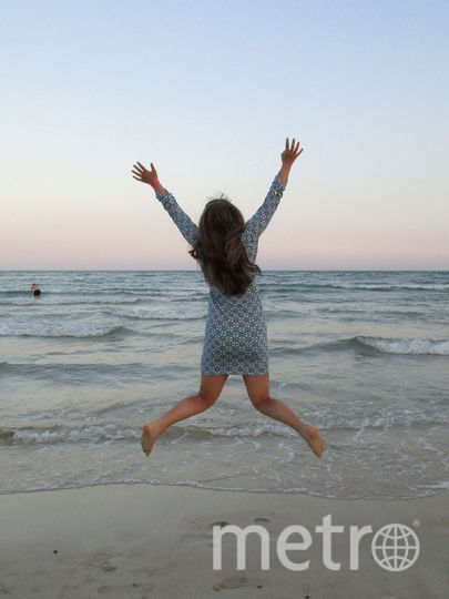 С удовольствием присылаю на конкурс фото мое и моей дочки. Мы провели это лето на Кипре. замечательная погода, изумрудная вода и белые чистые пляжи. Фото Вера Афонина