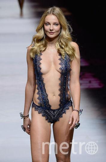 Показ Etam на Неделе моды в Париже. Фото Getty