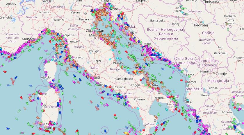 Карта движения морских судов. Фото seatracker.ru