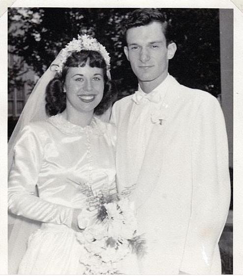 Хью Хефнер и Милдред Вилльямс в 1949 году. Фото Скриншот из Twitter.