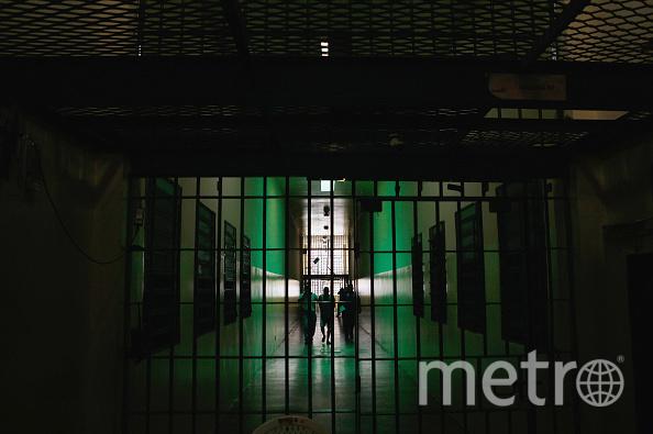 """К тому, что девушка выбирает """"проблемного"""" мужчину (заключённого, наркомана, алкоголика, преступника), приводят нарушения в детско-родительских отношениях. Фото Getty"""