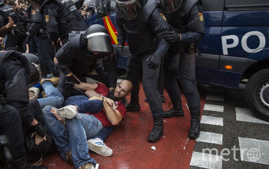Противостояние противников и сторонников референдума за независимость Каталонии продолжается. Фото AFP