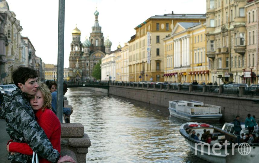 Петербурженка ругалась с подругой, проплывая канал Грибоедова. Фото Getty