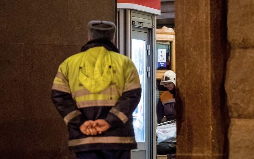 """Станция метро """"Технологический институт"""" в день трагедии. Фото """"Metro"""""""