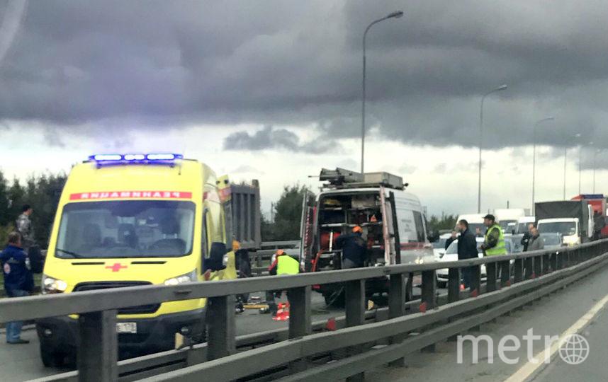 НаКубинской после жесткого ДТП сгрузовиками «Метростроя» зажало водителя