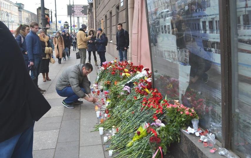 """В Петербурге пройдет панихида по погибшим в теракте 3 апреля. Фото """"Metro"""""""