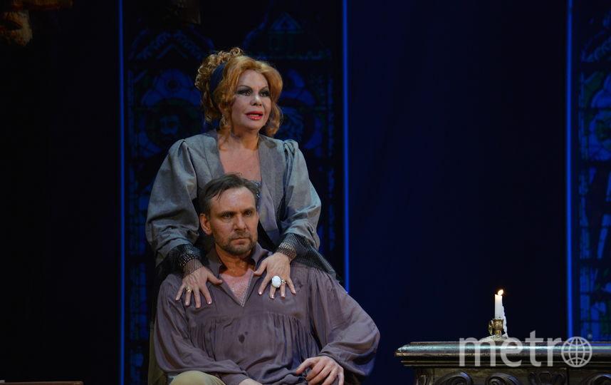 Отрывки из спектакля Мольер. Фото предоставлены пресс-службой театра.