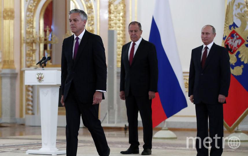 Посол США в России Джон Хантсман вручил верительные грамоты Владимиру Путину. Фото AFP