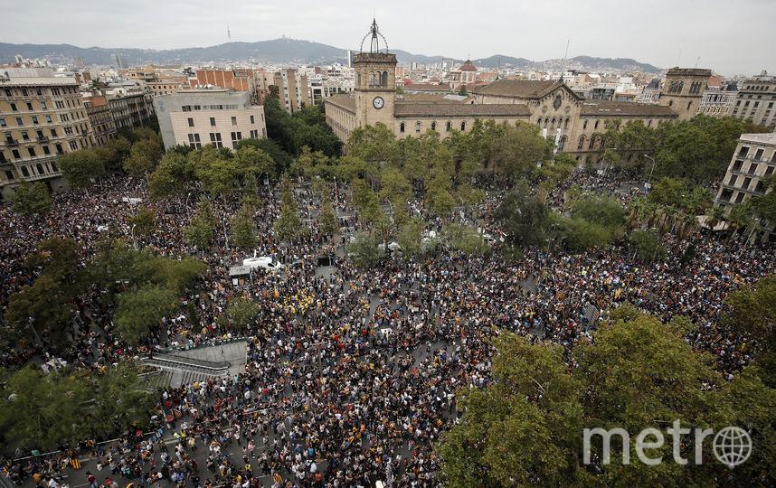 Массовая демонстрация в Барселоне. Фото AFP
