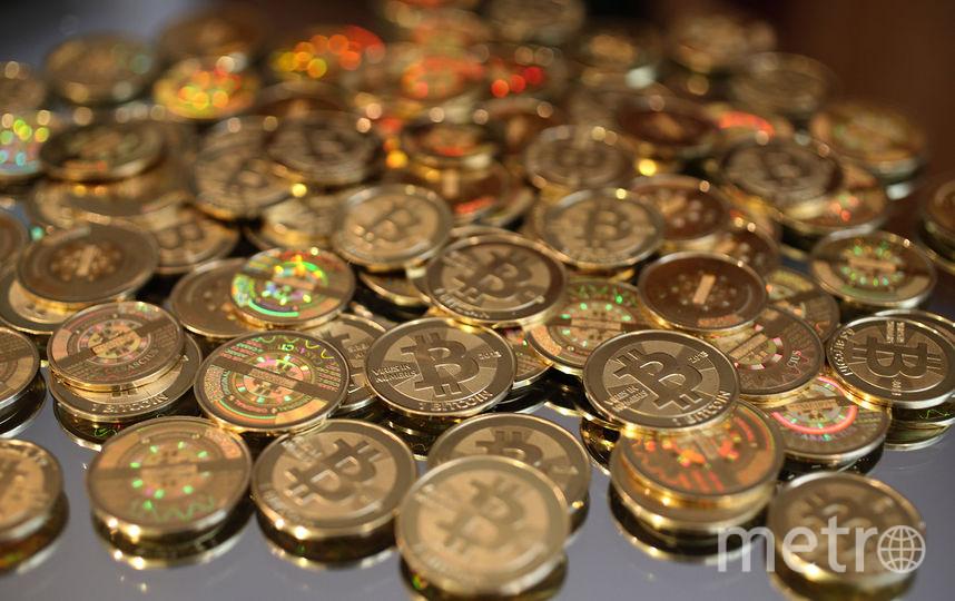 Сувенирные биткоины. Фото Getty