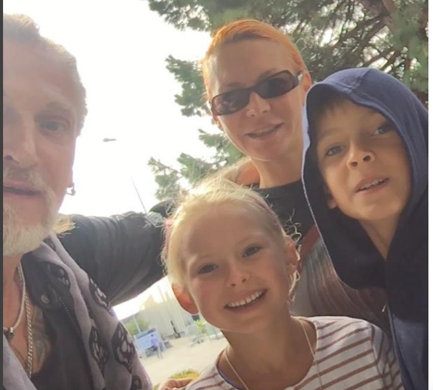 Никита Джигурда и Марина Анисина с детьми, фотоархив.