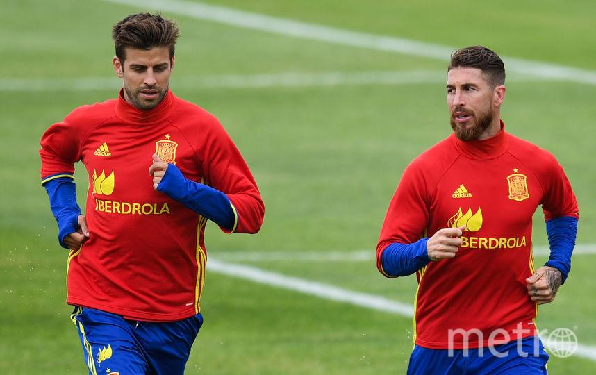 Пике и Рамос на тренировке сборной Испании. Фото Getty