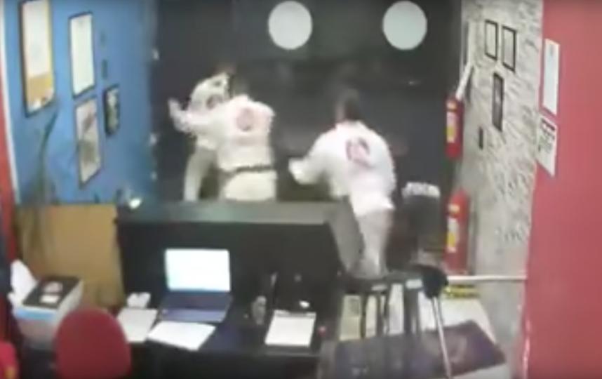 Инцидент в спортивном зале. Фото zap jitsu, Скриншот Youtube