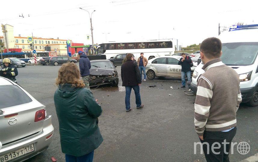 В Петербурге в тройном ДТП пострадал 5-месячный младенец. Фото все - vk.com/spb_today