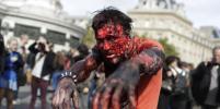 По Парижу прошлись десятки зомби