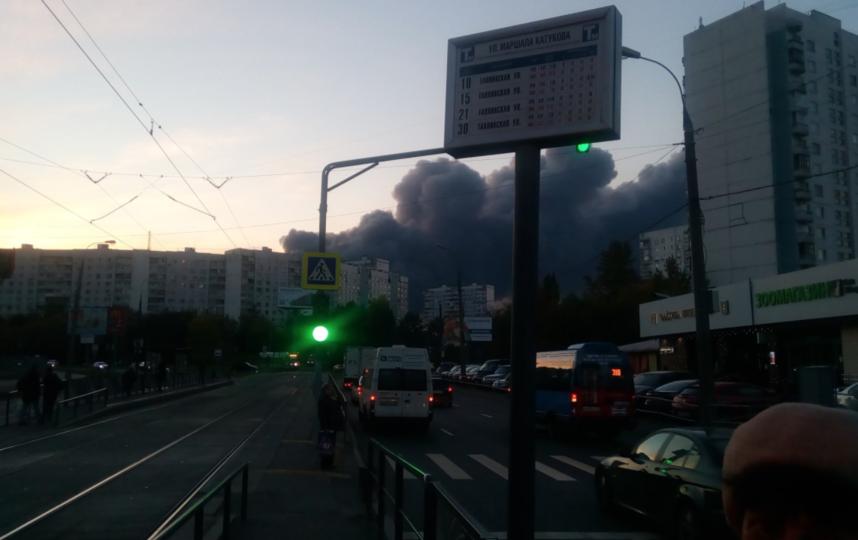 Пожар на строительном рынке в Подмосковье. Фото Twitter @@alukashevsky