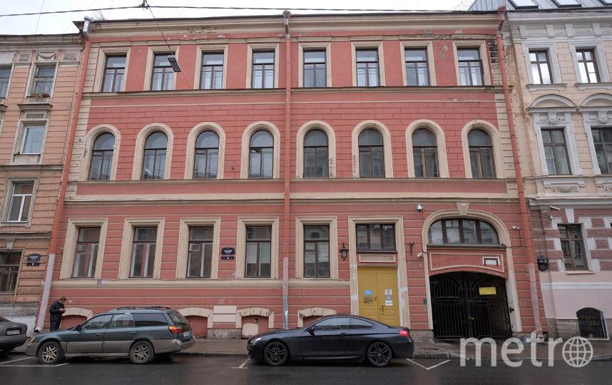 По стопам Путина: в Петербурге водят экскурсию по президентским местам. Фото Алена Бобрович.