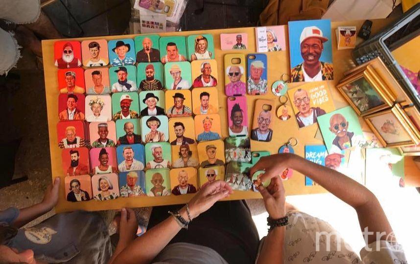 Творения Амита украшают чехлы для смартфонов, держатели для чашек и футболки. Фото Амит Шимони