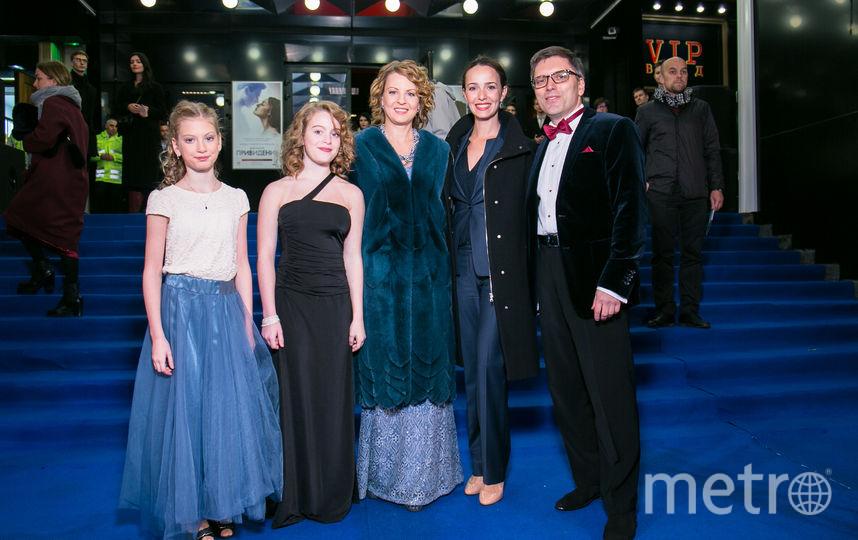 Валерия Ланская и Дмитрий Богачев, Анастасия Богачёва и их дочери Соня и Тоня.