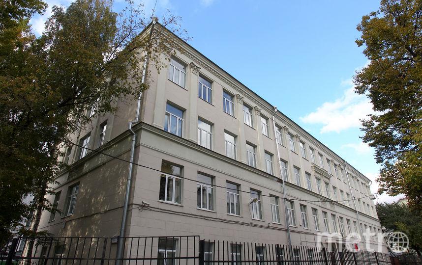 Здание школы. Фото Василий Кузьмичёнок