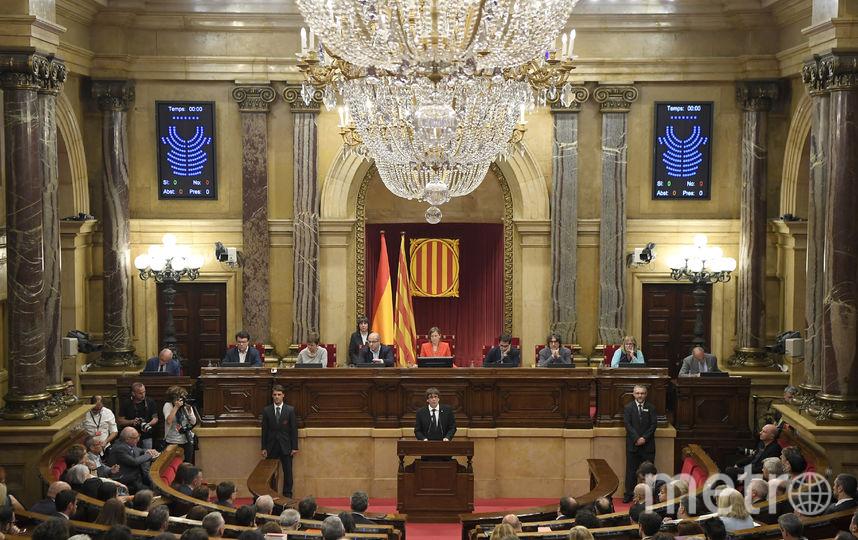 В начале выступления Пучдемон заявил, что хочет деэскалации напряженности. Фото AFP
