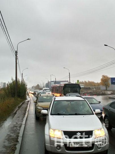 ДТП перед перекрёстком Третьего верхнего проезда и пр. Энгельса. Фото vk.com