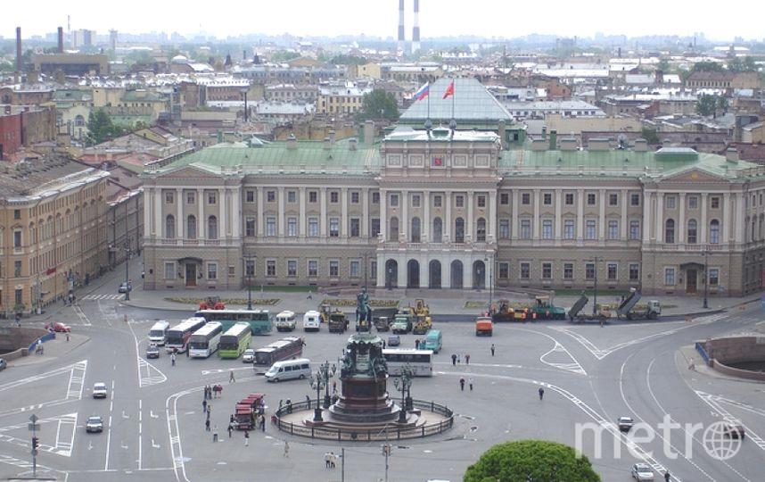 На заседании ЗакСа Петербурга в Мариинском дворце разгорелись споры о зеленых насаждениях в Петербурге.