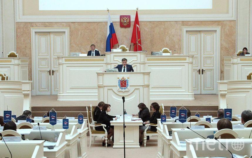 Заседание Законодательного Собрания. Фото все - www.assembly.spb.ru