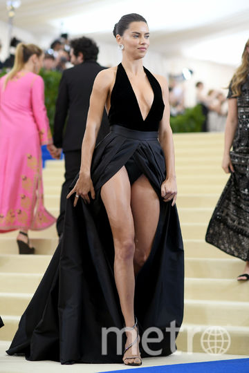 Адриана Лима разделась для новой рекламы нижнего белья. Фото Getty