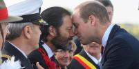 Принц Уильям поприветствовал капрала Новой Зеландии носом к носу