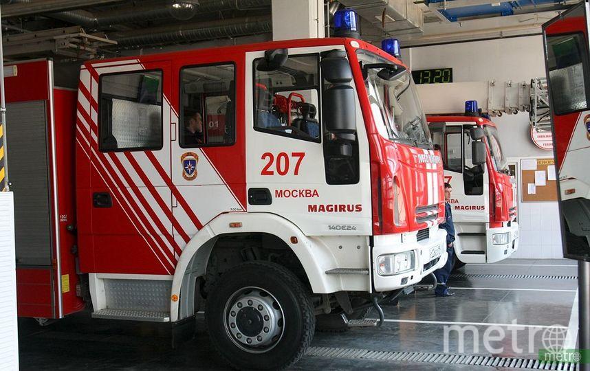 В автосалоне на Ярославском шоссе в Москве произошёл пожар. Фото Василий Кузьмичёнок