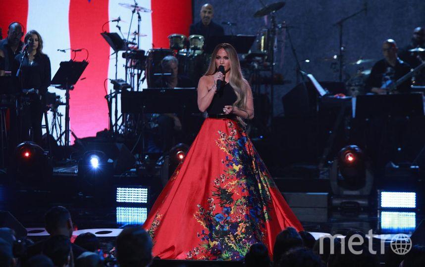 Дженнифер Лопес на благотворительном концерте. Фото Getty