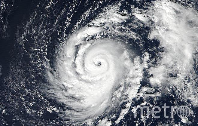 """Тропический шторм """"Офелия"""". Фото NASA"""