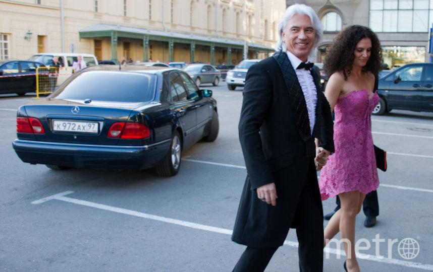 Певец Дмитрий Хворостовский с первой супругой направляются на празднование юбилея журнала Elle Россия. Фото РИА Новости