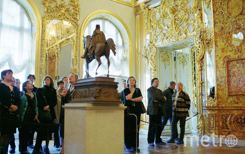 Восстановленная Янтарная комната в Пушкине. Фото Getty