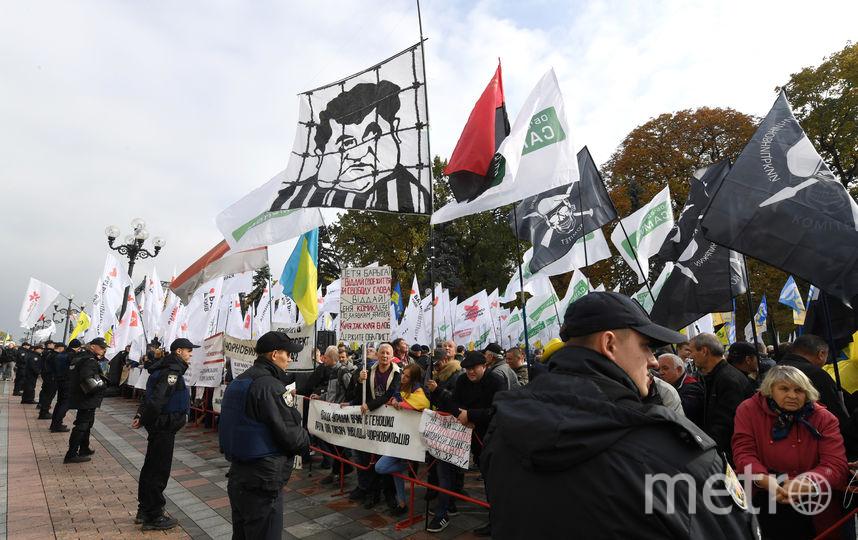 В центре Киева возле здания Верховной рады начались столкновения между протестующими и полицией. Фото AFP