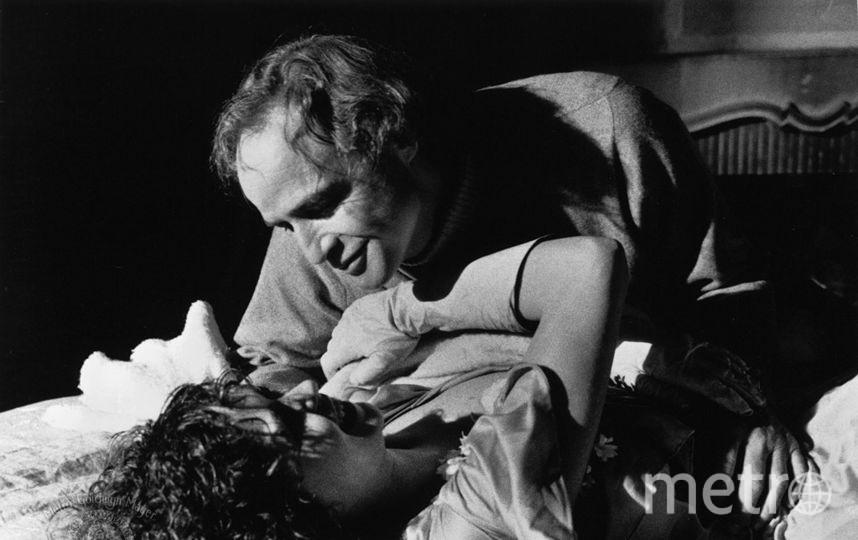 Бернардо Бертолуччи в своей картине «Последнее танго в Париже» 1972 года снял сцену изнасилования без согласия актрисы Марии Шнайдер. Впоследствии он признался, что чувствует вину, но тем не менее не сожалеет об этом. Фото IMDB.com