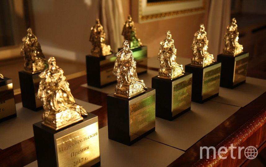 """Лауреаты получают бронзовую статуэтку и диплом. Фото Михаил Садчиков-младший, """"Metro"""""""