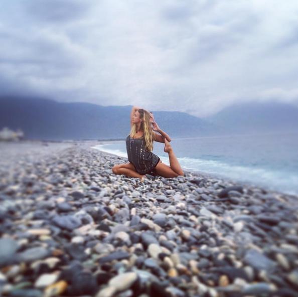 Белокурая пышка покоряет Instagram. Фото Скриншот Instagram: ginaswire