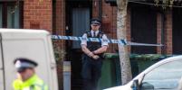 Вооружённый мужчина взял заложников в британском Нанитоне