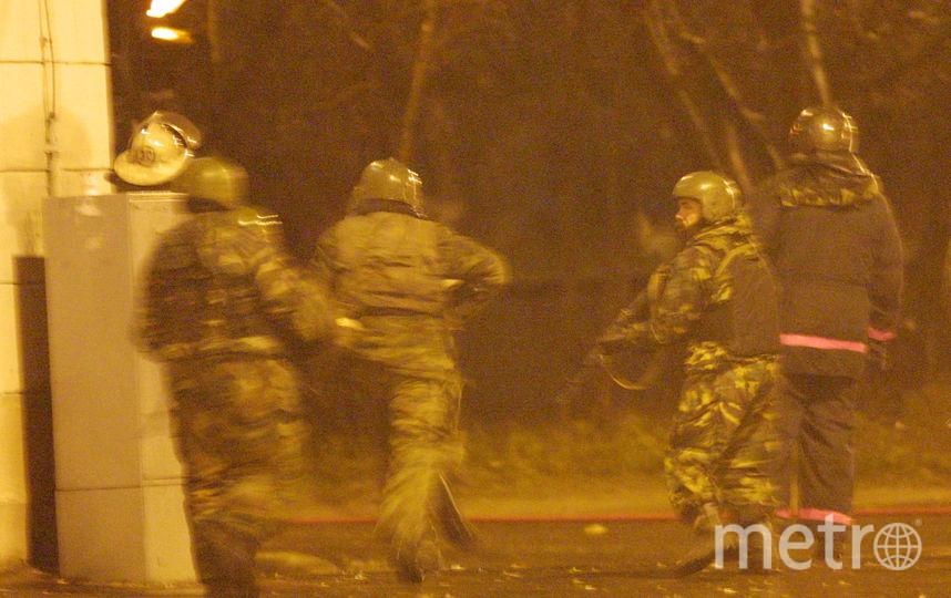 Спецназ утром 26 октября пошёл на штурм здания. Фото Getty