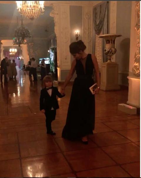 Юлия Барановская с детьми.