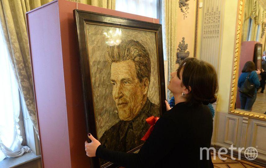 Портрет Кирова из пуха и перьев. Фото Святослав Акимов