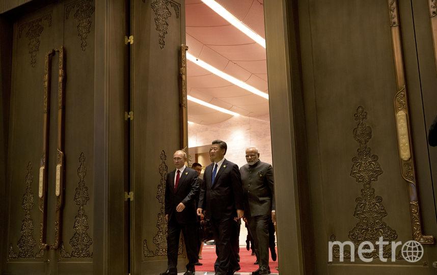Си Цзиньпин на съезде КПК. Фото AFP