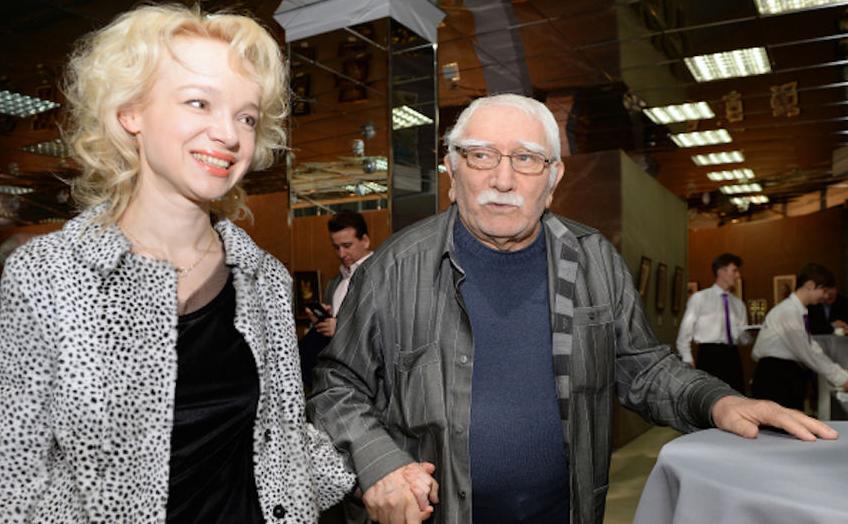 Армен Джигарханян и Виталина Цымблюк-Романовская - фотоархив. Фото РИА Новости