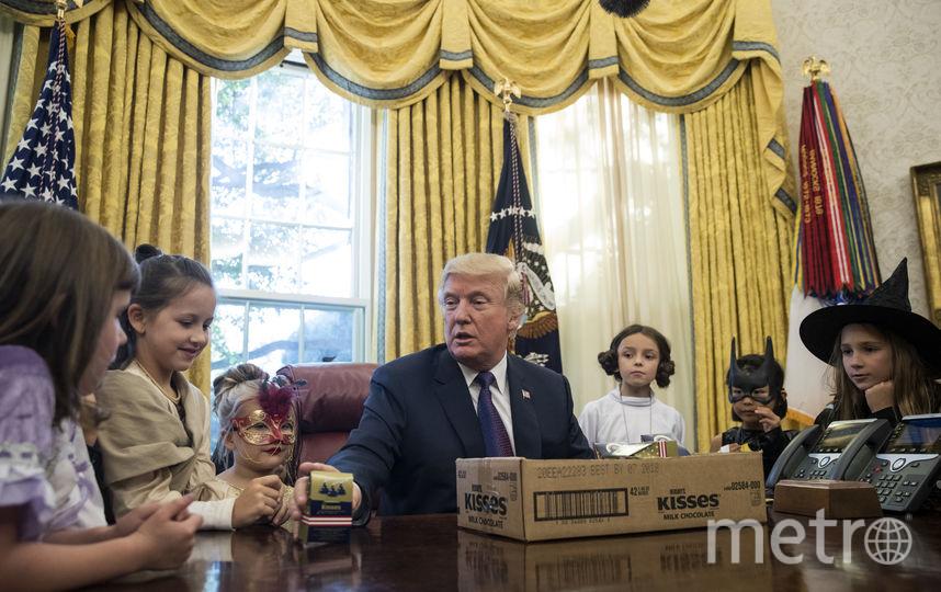 Дональд Трамп встретился с детьми в Белом доме перед Хеллоуином. Фото Getty