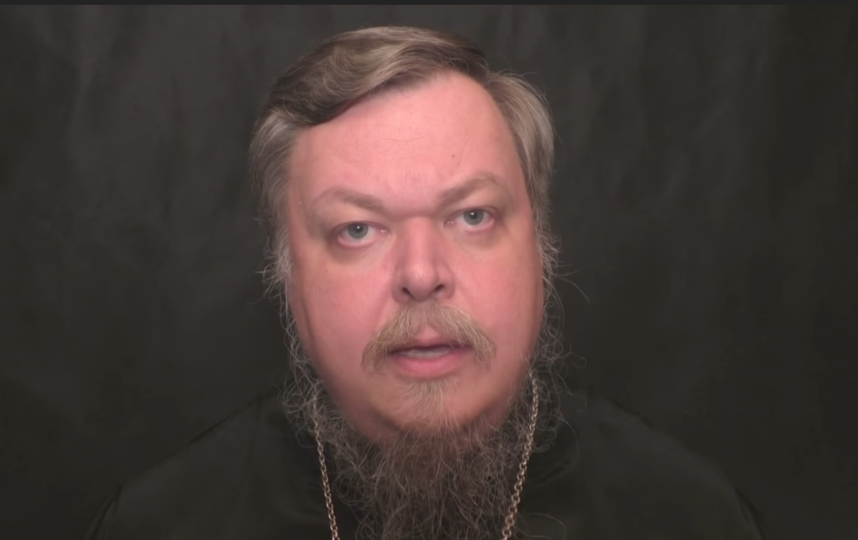 Отец Всеволод призвал всех причастных к «Матильде» принести покаяние на исповеди. Фото скриншот Youtube | Fr. Vsevolod Chapli