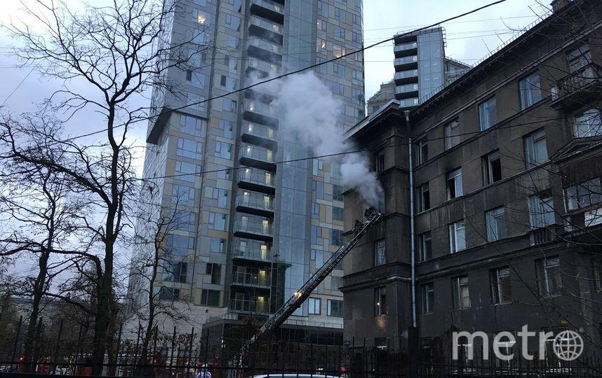 Вобщежитии наГагарина вПетербурге тушили серьезный пожар