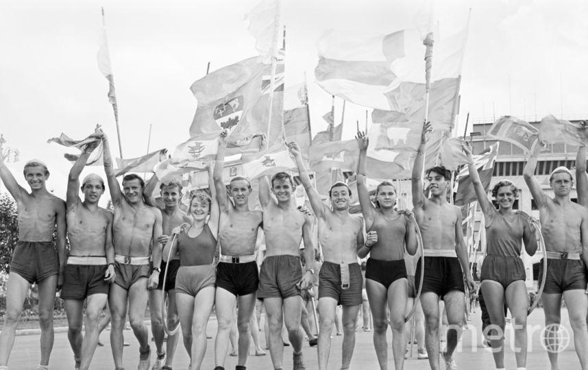 СССР. Москва. 21 июля 1957 г. Спортсмены после выступления. Фото Фотохроника ТАСС
